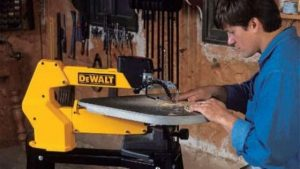 Best Saw for Cutting Wood Letters