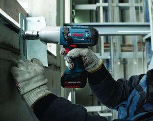 Bosch 18-Volt High Torque Impact Wrench Kit