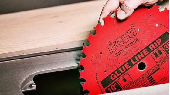 Best Table Saw Blade for Ripping Maple