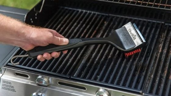 Right Tools To Clean Your Grill